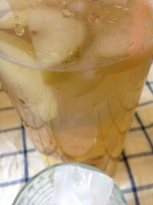 apple and pineapple tea