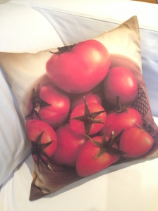 tomatoes in a bowl cushion cover