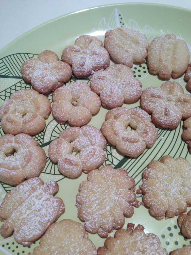 Plate of pressed cookies