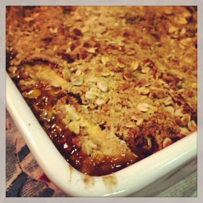 apple and passionfruit crumble